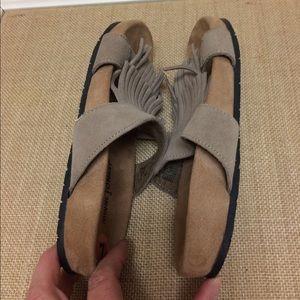 Minnetonka Shoes - Minnetonka Daisy Fringe suede sandal